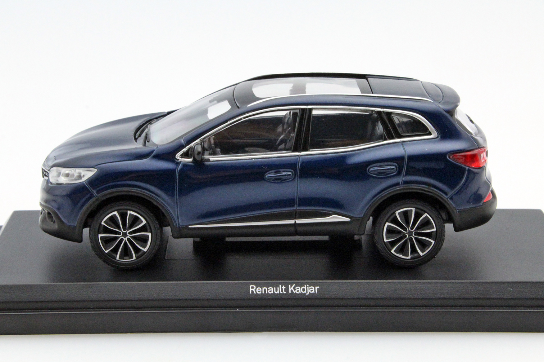 renault kadjar 2015 cosmos blue die cast model norev 517781. Black Bedroom Furniture Sets. Home Design Ideas