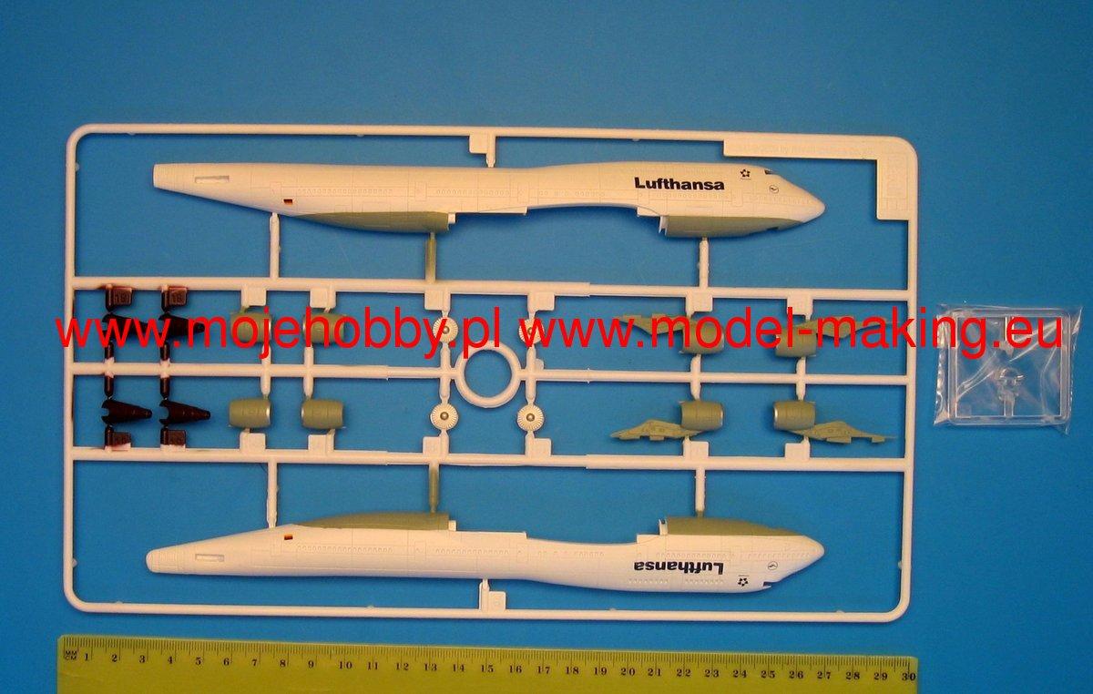 747 space shuttle model